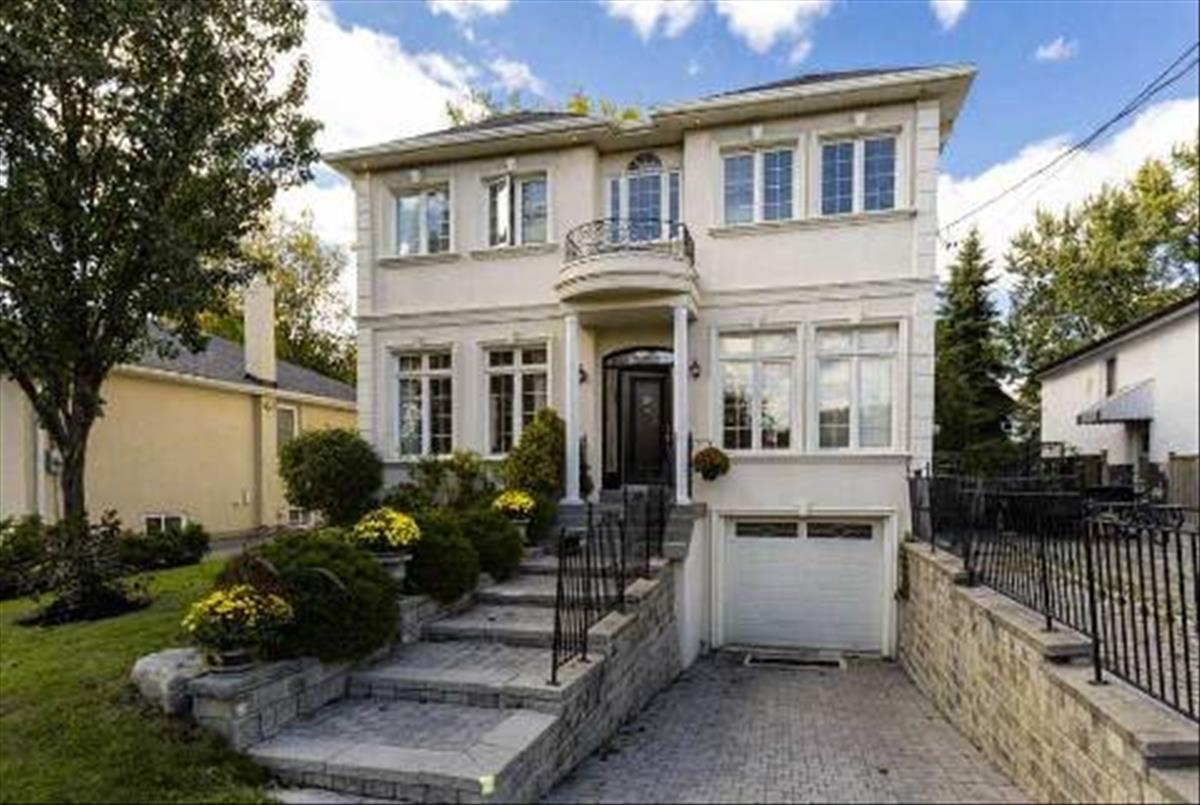 24 Abitibi Ave Toronto Smart Choice Team