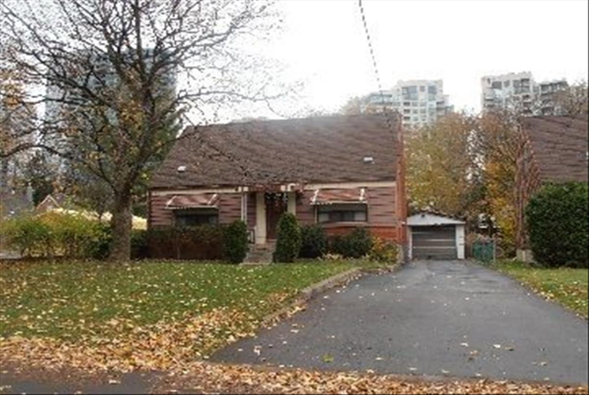 5 Elmview Ave Toronto Smart Choice Team
